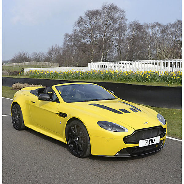 Aston Martin V12 Vantages Roadster 2016 Yellow
