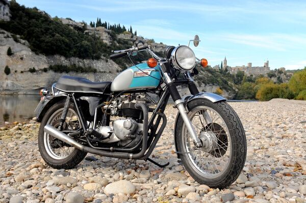 bike, Triumph, Bonneville, Britain, British, England, English, UK, United, Kingdom, blue, grey, 1979, 1970s, 70s, seventies, classic, sportsbike, sports