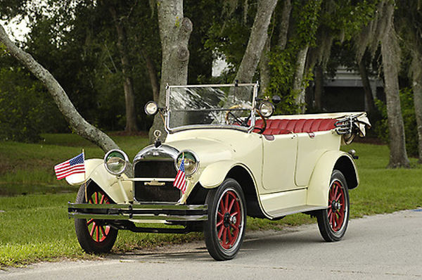 Velie Touring Sedan 1917 White