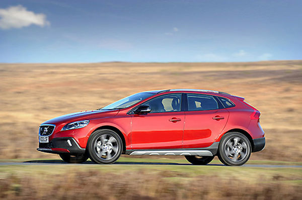 Volvo V40 Cross Country 2013 Red metallic