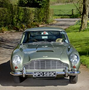 Aston Martin DB5 1965 Green light