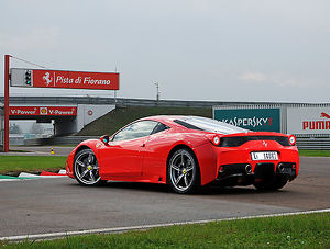 Ferrari 458 Speciale, 2013, Red, with stripes
