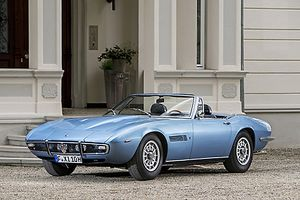 Maserati Ghibli 4.9 SS Spider 1970 Blue light