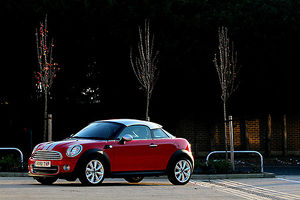 Mini (BMW) Coupe, 2011, Red, & black