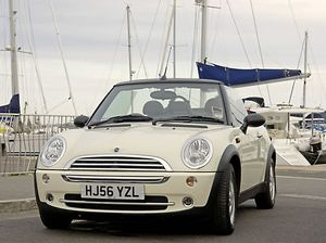 Mini New Cooper Cabriolet