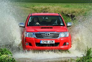 Toyota Hilux , 2011, Red